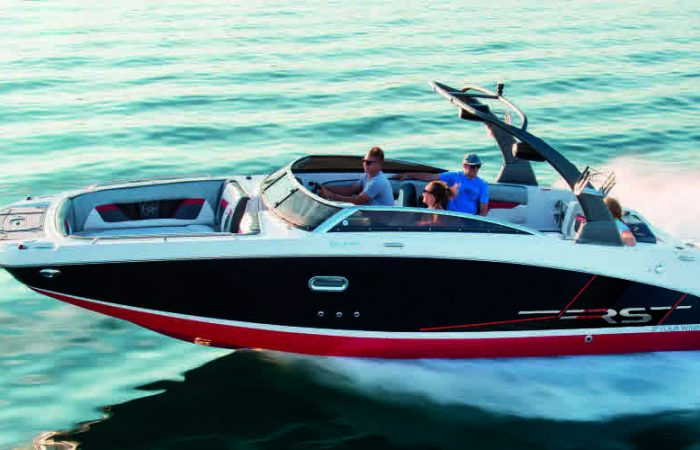 Four Winns HD270 surf