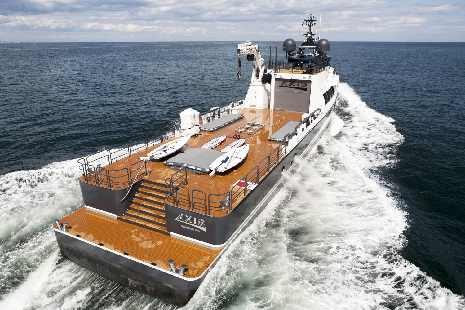 Damen Yacht Support AXIS1