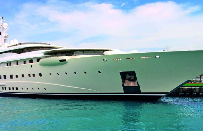 wandering yacht