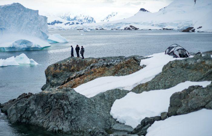 Antarctica_Peninsula_©JustinHofmanEYOS©_{legend}_activities()____20170130_154603_[3000x2000]_1536kB