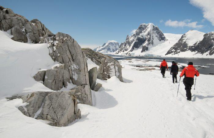 Antarctica_Peninsula_PenolaStrait_PetermannIsland_©JustinHofmanEYOS©_activities(hiking)____20151227_084344_000_[6016x4016]_4.2MB