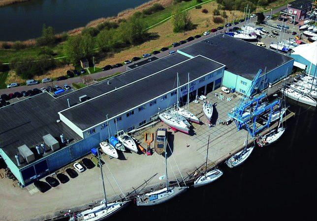 KM Yacht Builders